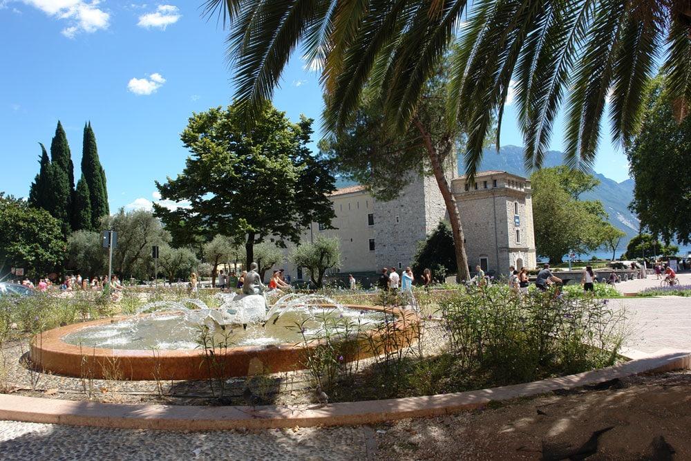 Tignale e dintorni residence erika lago di garda - Residence lago di garda con piscina ...