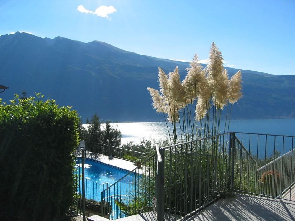 Residence gallery 4 residence erika lago di garda - Residence lago di garda con piscina ...